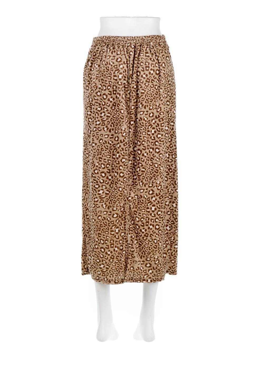 LeopardVelourSemiTightSkirtレオパード柄・ベロアタイトスカート大人カジュアルに最適な海外ファッションのothers(その他インポートアイテム)のボトムやスカート。人気のレオパード柄をベロア生地にプリントしたセミタイトスカート。ブラウン系の色展開でコーディネートのしやすさも抜群なスカートです。/main-14
