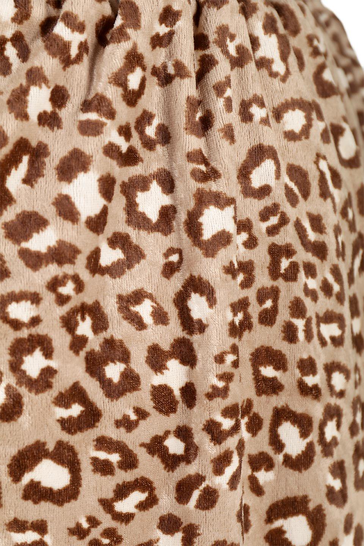 LeopardVelourSemiTightSkirtレオパード柄・ベロアタイトスカート大人カジュアルに最適な海外ファッションのothers(その他インポートアイテム)のボトムやスカート。人気のレオパード柄をベロア生地にプリントしたセミタイトスカート。ブラウン系の色展開でコーディネートのしやすさも抜群なスカートです。/main-20