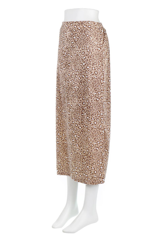 LeopardVelourSemiTightSkirtレオパード柄・ベロアタイトスカート大人カジュアルに最適な海外ファッションのothers(その他インポートアイテム)のボトムやスカート。人気のレオパード柄をベロア生地にプリントしたセミタイトスカート。ブラウン系の色展開でコーディネートのしやすさも抜群なスカートです。/main-6