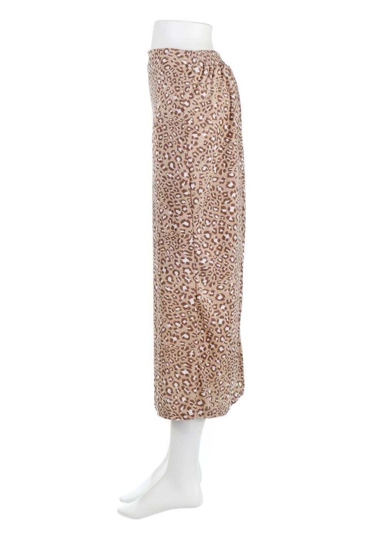 LeopardVelourSemiTightSkirtレオパード柄・ベロアタイトスカート大人カジュアルに最適な海外ファッションのothers(その他インポートアイテム)のボトムやスカート。人気のレオパード柄をベロア生地にプリントしたセミタイトスカート。ブラウン系の色展開でコーディネートのしやすさも抜群なスカートです。/main-7