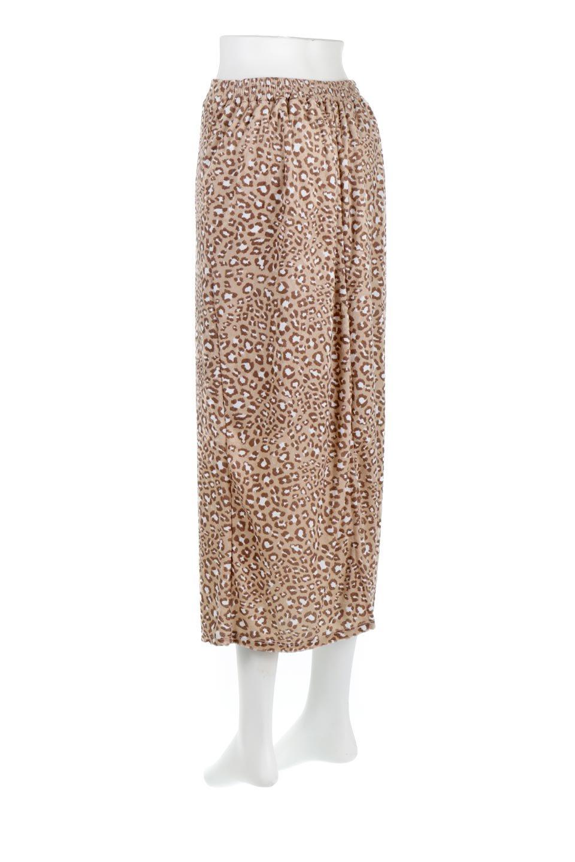 LeopardVelourSemiTightSkirtレオパード柄・ベロアタイトスカート大人カジュアルに最適な海外ファッションのothers(その他インポートアイテム)のボトムやスカート。人気のレオパード柄をベロア生地にプリントしたセミタイトスカート。ブラウン系の色展開でコーディネートのしやすさも抜群なスカートです。/main-8
