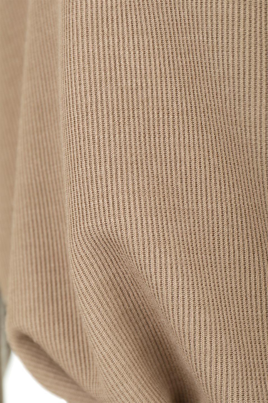 SideSlitOffTurtleLongDressサイドスリット・オフタートルワンピース大人カジュアルに最適な海外ファッションのothers(その他インポートアイテム)のワンピースやマキシワンピース。着心地の良い素材を使用したオフタートルのロングワンピース。ウエストの絞り具合で様々なシルエットを楽しめますが、ややブラウジングするとスタイルがよく見えます。/main-27
