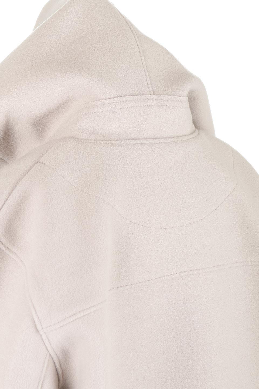 Melton&RibKnitDoubleFacedHoodCoatメルトン&リブニット・ダブルフェイスコート大人カジュアルに最適な海外ファッションのothers(その他インポートアイテム)のアウターやコート。表地メルトン×裏面リブ編みのフード付きウールコート。表地はフェルトのような高密度の綺麗な質感、表地と張り合わせた裏地には伸縮性のあるリブ編みを合わせて優しい雰囲気に見せてくれます。/main-15