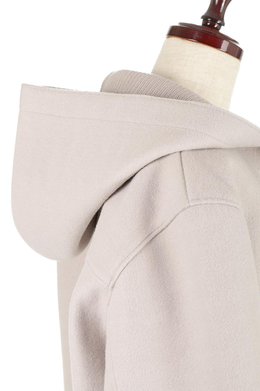 Melton&RibKnitDoubleFacedHoodCoatメルトン&リブニット・ダブルフェイスコート大人カジュアルに最適な海外ファッションのothers(その他インポートアイテム)のアウターやコート。表地メルトン×裏面リブ編みのフード付きウールコート。表地はフェルトのような高密度の綺麗な質感、表地と張り合わせた裏地には伸縮性のあるリブ編みを合わせて優しい雰囲気に見せてくれます。/main-16