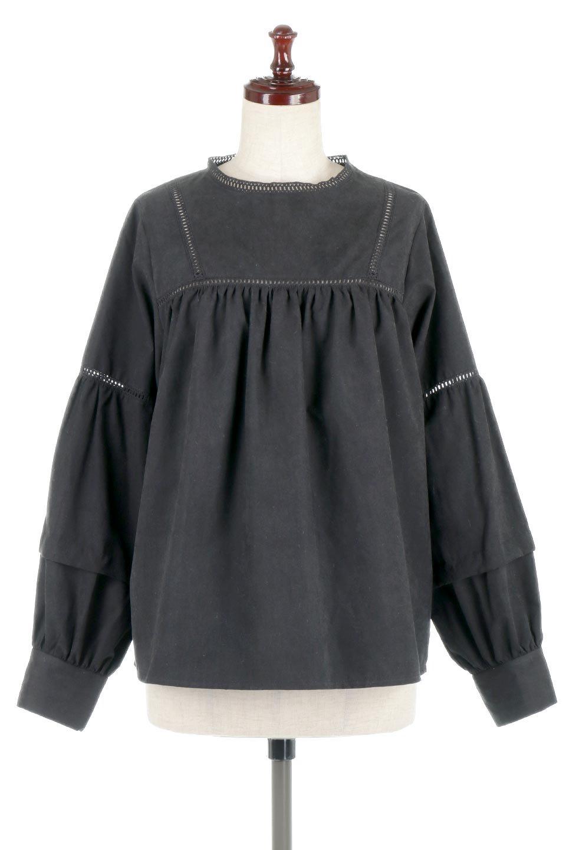 LadderLaceDetailBlouseはしごレースネック・長袖ブラウス大人カジュアルに最適な海外ファッションのothers(その他インポートアイテム)のトップスやシャツ・ブラウス。はしご状のレースでアクセントにしたパフスリーブの長袖ブラウス。たっぷり目の身幅でボディラインを隠してくれ、裾をインしてすっきりと着こなすことも可能です。/main-19