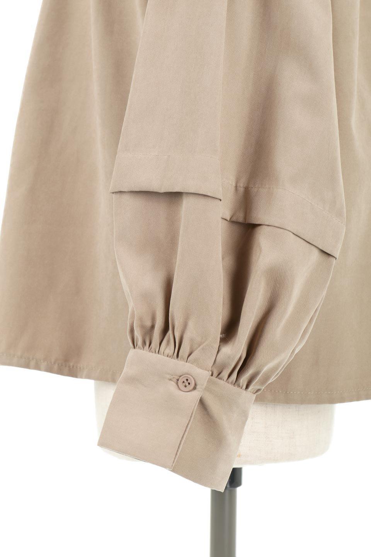 LadderLaceDetailBlouseはしごレースネック・長袖ブラウス大人カジュアルに最適な海外ファッションのothers(その他インポートアイテム)のトップスやシャツ・ブラウス。はしご状のレースでアクセントにしたパフスリーブの長袖ブラウス。たっぷり目の身幅でボディラインを隠してくれ、裾をインしてすっきりと着こなすことも可能です。/main-27