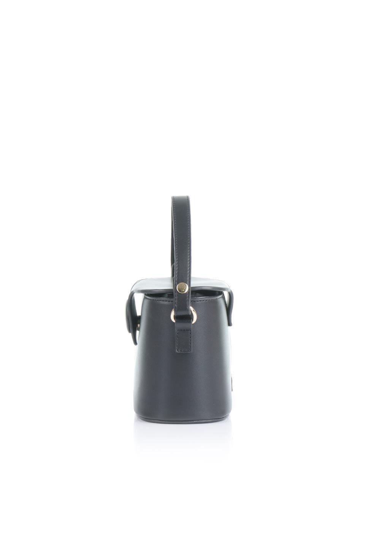 meliebiancoのAdelynn(Black)ワンハンドル・ミニハンドバッグ/海外ファッション好きにオススメのインポートバッグとかばん、MelieBianco(メリービアンコ)のバッグやハンドバッグ。パカッと開くフラップが可愛い2Wayタイプのミニバッグ。どことなくレトロな雰囲気も感じるデザインでコーデの邪魔にならないバッグです。/main-2