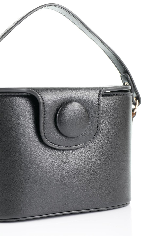 meliebiancoのAdelynn(Black)ワンハンドル・ミニハンドバッグ/海外ファッション好きにオススメのインポートバッグとかばん、MelieBianco(メリービアンコ)のバッグやハンドバッグ。パカッと開くフラップが可愛い2Wayタイプのミニバッグ。どことなくレトロな雰囲気も感じるデザインでコーデの邪魔にならないバッグです。/main-5