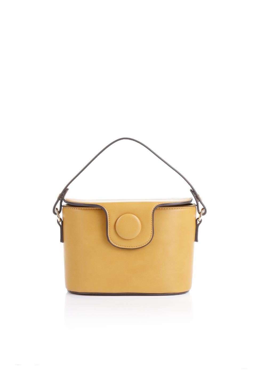 meliebiancoのAdelynn(Mustard)ワンハンドル・ミニハンドバッグ/海外ファッション好きにオススメのインポートバッグとかばん、MelieBianco(メリービアンコ)のバッグやハンドバッグ。パカッと開くフラップが可愛い2Wayタイプのミニバッグ。どことなくレトロな雰囲気も感じるデザインでコーデの邪魔にならないバッグです。