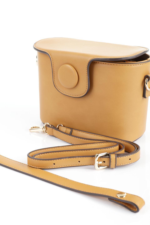meliebiancoのAdelynn(Mustard)ワンハンドル・ミニハンドバッグ/海外ファッション好きにオススメのインポートバッグとかばん、MelieBianco(メリービアンコ)のバッグやハンドバッグ。パカッと開くフラップが可愛い2Wayタイプのミニバッグ。どことなくレトロな雰囲気も感じるデザインでコーデの邪魔にならないバッグです。/main-14