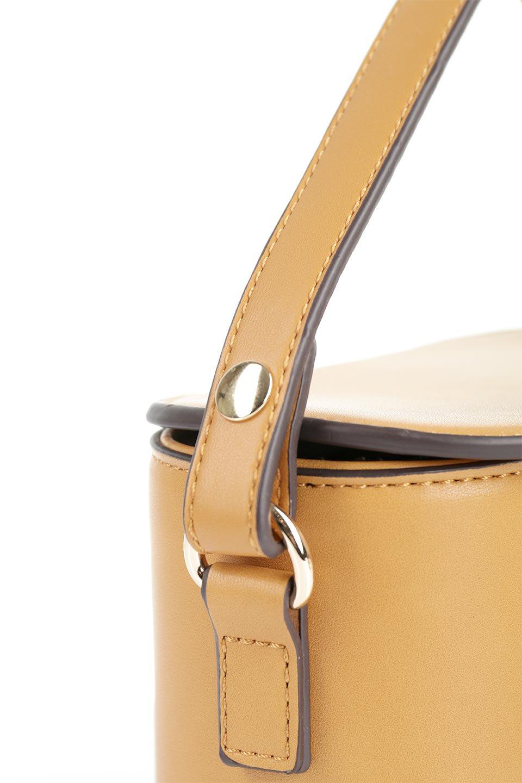 meliebiancoのAdelynn(Mustard)ワンハンドル・ミニハンドバッグ/海外ファッション好きにオススメのインポートバッグとかばん、MelieBianco(メリービアンコ)のバッグやハンドバッグ。パカッと開くフラップが可愛い2Wayタイプのミニバッグ。どことなくレトロな雰囲気も感じるデザインでコーデの邪魔にならないバッグです。/main-6