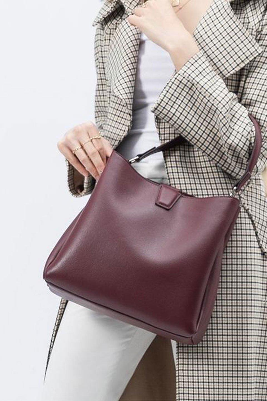 meliebiancoのMaya(Merlot)ワンハンドル・ハンドバッグ/海外ファッション好きにオススメのインポートバッグとかばん、MelieBianco(メリービアンコ)のバッグやハンドバッグ。シンプルな見た目に便利な収納のワンハンドル・ハンドバッグ。オフィスカジュアルのバッグとしてもおすすめなアイテムです。/main-16