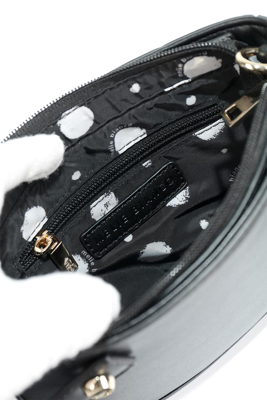 meliebiancoのRenee(Black)2Way・ショルダーバッグ/海外ファッション好きにオススメのインポートバッグとかばん、MelieBianco(メリービアンコ)のバッグやクラッチバッグ。デザインのアクセントにもなっているハンドストラップ付のミニクラッチバッグ。電子決済はフル活用、スマホとミニ財布で事足りる方に人気の小型のバッグです。/main-10