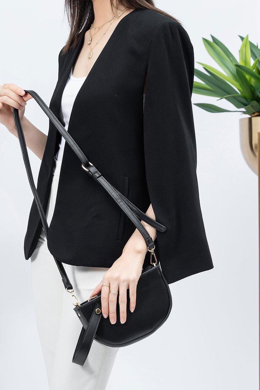 meliebiancoのRenee(Black)2Way・ショルダーバッグ/海外ファッション好きにオススメのインポートバッグとかばん、MelieBianco(メリービアンコ)のバッグやクラッチバッグ。デザインのアクセントにもなっているハンドストラップ付のミニクラッチバッグ。電子決済はフル活用、スマホとミニ財布で事足りる方に人気の小型のバッグです。/main-16