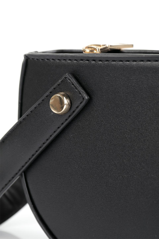 meliebiancoのRenee(Black)2Way・ショルダーバッグ/海外ファッション好きにオススメのインポートバッグとかばん、MelieBianco(メリービアンコ)のバッグやクラッチバッグ。デザインのアクセントにもなっているハンドストラップ付のミニクラッチバッグ。電子決済はフル活用、スマホとミニ財布で事足りる方に人気の小型のバッグです。/main-5