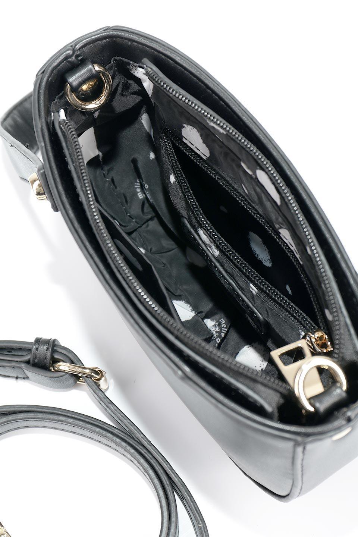 meliebiancoのRenee(Black)2Way・ショルダーバッグ/海外ファッション好きにオススメのインポートバッグとかばん、MelieBianco(メリービアンコ)のバッグやクラッチバッグ。デザインのアクセントにもなっているハンドストラップ付のミニクラッチバッグ。電子決済はフル活用、スマホとミニ財布で事足りる方に人気の小型のバッグです。/main-8