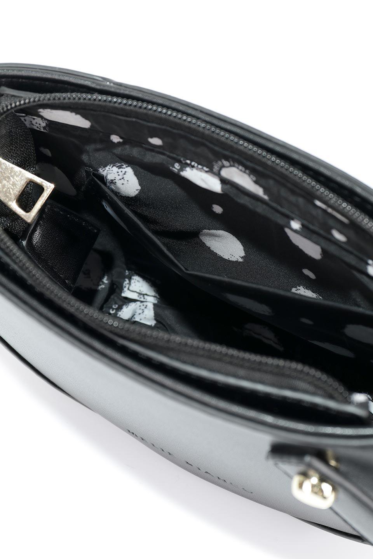 meliebiancoのRenee(Black)2Way・ショルダーバッグ/海外ファッション好きにオススメのインポートバッグとかばん、MelieBianco(メリービアンコ)のバッグやクラッチバッグ。デザインのアクセントにもなっているハンドストラップ付のミニクラッチバッグ。電子決済はフル活用、スマホとミニ財布で事足りる方に人気の小型のバッグです。/main-9