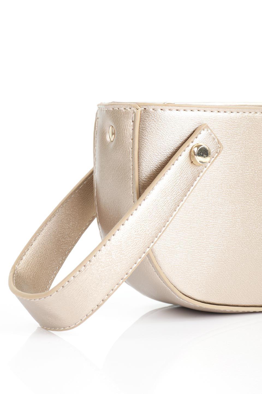 meliebiancoのRenee(Gold)2Way・ショルダーバッグ/海外ファッション好きにオススメのインポートバッグとかばん、MelieBianco(メリービアンコ)のバッグやクラッチバッグ。デザインのアクセントにもなっているハンドストラップ付のミニクラッチバッグ。電子決済はフル活用、スマホとミニ財布で事足りる方に人気の小型のバッグです。/main-5