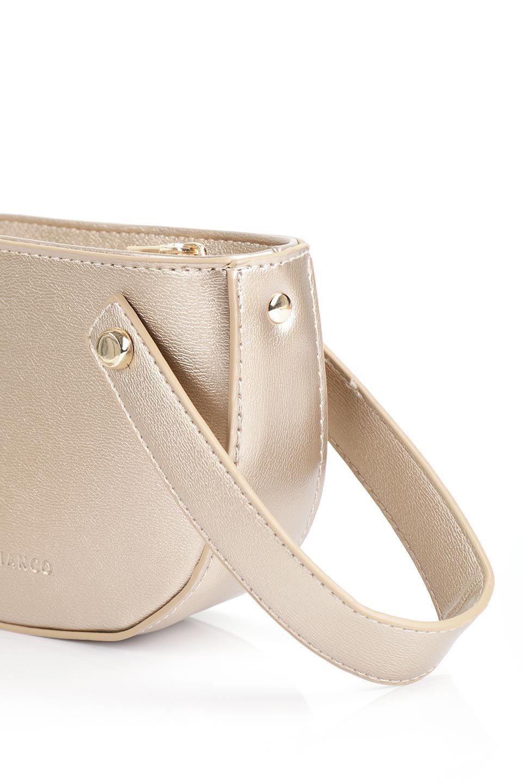 meliebiancoのRenee(Gold)2Way・ショルダーバッグ/海外ファッション好きにオススメのインポートバッグとかばん、MelieBianco(メリービアンコ)のバッグやクラッチバッグ。デザインのアクセントにもなっているハンドストラップ付のミニクラッチバッグ。電子決済はフル活用、スマホとミニ財布で事足りる方に人気の小型のバッグです。/main-7
