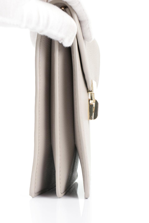 meliebiancoのNina(Taupe)スリムポケット・ショルダーバッグ/海外ファッション好きにオススメのインポートバッグとかばん、MelieBianco(メリービアンコ)のバッグやハンドバッグ。スリムなシルエットのミニショルダーバッグ。アコーディオンタイプのポケットなので、スリムでありながら見た目以上の収納力があるポーチです。/main-7