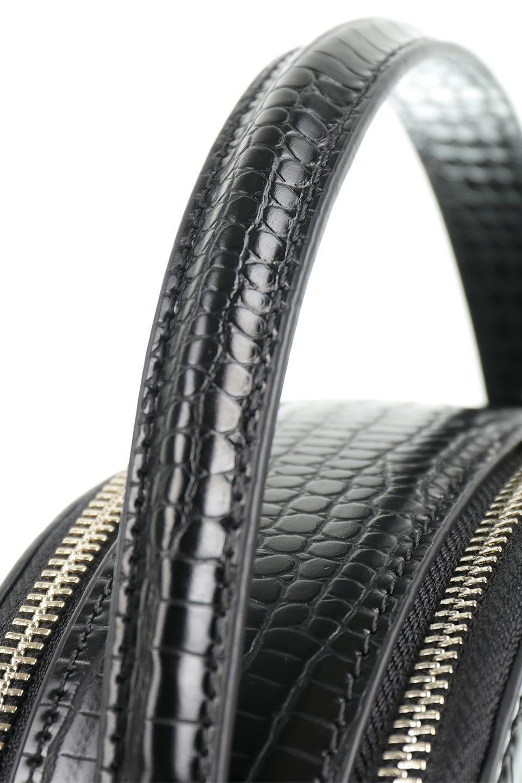 meliebiancoのCalvin(Black)型押しクロコダイル・ワンハンドルバッグ/海外ファッション好きにオススメのインポートバッグとかばん、MelieBianco(メリービアンコ)のバッグやハンドバッグ。上品な光沢を帯びたクロコダイルの型押しが素敵なミニハンドバッグ。芯入りのハンドルはしっくりと手になじむような質感。/main-5