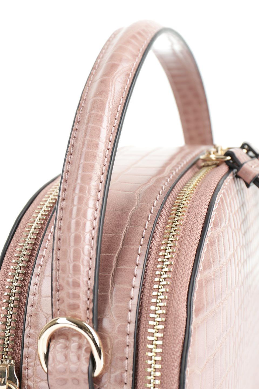 meliebiancoのCalvin(Blush)型押しクロコダイル・ワンハンドルバッグ/海外ファッション好きにオススメのインポートバッグとかばん、MelieBianco(メリービアンコ)のバッグやハンドバッグ。上品な光沢を帯びたクロコダイルの型押しが素敵なミニハンドバッグ。芯入りのハンドルはしっくりと手になじむような質感。/main-5