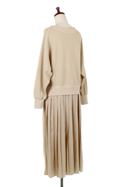 BackPleatedLongDressバックプリーツ・長袖マキシワンピース大人カジュアルに最適な海外ファッションのothers(その他インポートアイテム)のワンピースやマキシワンピース。プリーツの切り替えがとても可愛い長袖のマキシワンピース。ドルマンスリーブのゆったり感と細身のシルエットでスラっと見える大人気ワンピ。/main-3