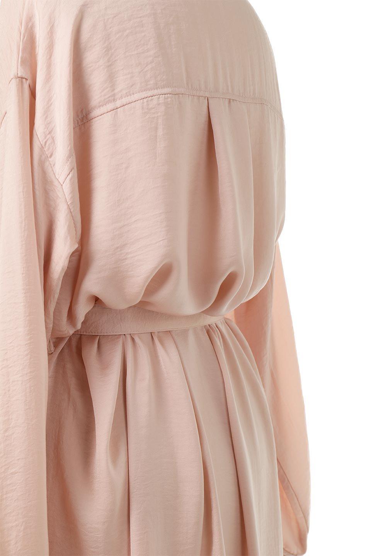 SatinLongShirtsDressビンテージサテン・ロングシャツワンピース大人カジュアルに最適な海外ファッションのothers(その他インポートアイテム)のワンピースやマキシワンピース。大き目の胸ポケットが可愛いサテン生地のロングシャツワンピース。テロテロのサテン生地が春っぽい印象で、フルオープンにしたりウエストのベルトなどで様々な着回しが楽しめます。/main-18