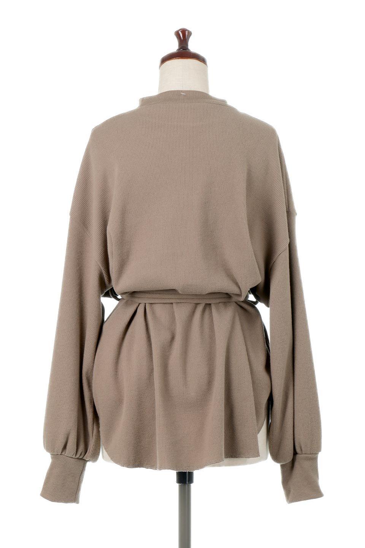 DolmanSleeveTieWaistWaffleTopドルマンスリーブ・ワッフルトップス大人カジュアルに最適な海外ファッションのothers(その他インポートアイテム)のトップスやカットソー。春に活躍するワッフル素材のカットソー。シャツより厚くスウェットより薄い生地感でまだ肌寒い春先にぴったりのアイテムです。/main-9