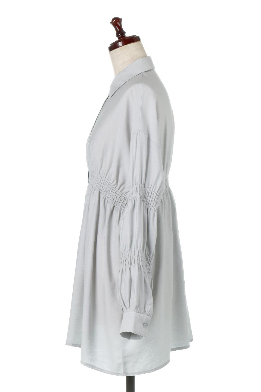 GatheredSleeveLongBlouseギャザースリーブ・ロングブラウス大人カジュアルに最適な海外ファッションのothers(その他インポートアイテム)のトップスやシャツ・ブラウス。各所のギャザーが可愛い長袖のシャツブラウス。長めの着丈と細見え効果が期待できるウエストのギャザーで、気になるボディラインのカバーにもピッタリ。/main-12
