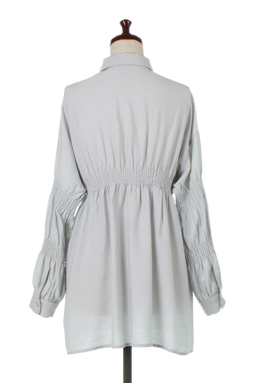 GatheredSleeveLongBlouseギャザースリーブ・ロングブラウス大人カジュアルに最適な海外ファッションのothers(その他インポートアイテム)のトップスやシャツ・ブラウス。各所のギャザーが可愛い長袖のシャツブラウス。長めの着丈と細見え効果が期待できるウエストのギャザーで、気になるボディラインのカバーにもピッタリ。/main-14