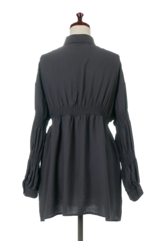 GatheredSleeveLongBlouseギャザースリーブ・ロングブラウス大人カジュアルに最適な海外ファッションのothers(その他インポートアイテム)のトップスやシャツ・ブラウス。各所のギャザーが可愛い長袖のシャツブラウス。長めの着丈と細見え効果が期待できるウエストのギャザーで、気になるボディラインのカバーにもピッタリ。/main-19
