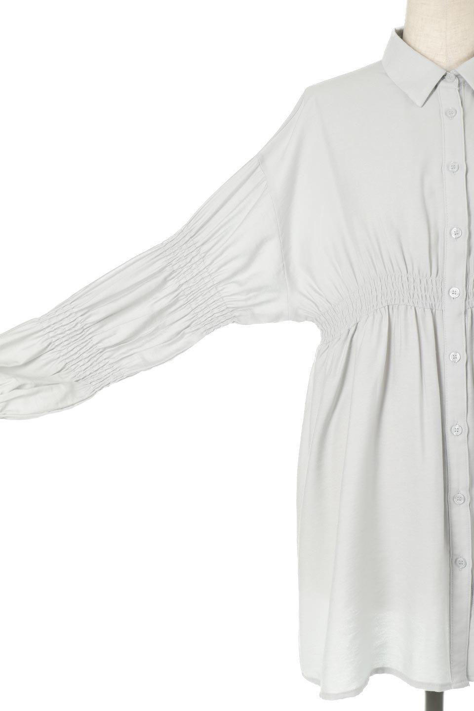 GatheredSleeveLongBlouseギャザースリーブ・ロングブラウス大人カジュアルに最適な海外ファッションのothers(その他インポートアイテム)のトップスやシャツ・ブラウス。各所のギャザーが可愛い長袖のシャツブラウス。長めの着丈と細見え効果が期待できるウエストのギャザーで、気になるボディラインのカバーにもピッタリ。/main-24