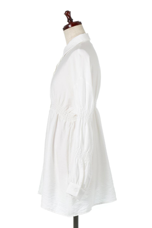 GatheredSleeveLongBlouseギャザースリーブ・ロングブラウス大人カジュアルに最適な海外ファッションのothers(その他インポートアイテム)のトップスやシャツ・ブラウス。各所のギャザーが可愛い長袖のシャツブラウス。長めの着丈と細見え効果が期待できるウエストのギャザーで、気になるボディラインのカバーにもピッタリ。/main-7