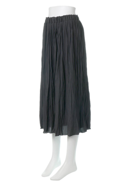 CrushPleatedLongSkirtクラッシュプリーツ・ロングスカート大人カジュアルに最適な海外ファッションのothers(その他インポートアイテム)のボトムやスカート。ヴィンテージライクなマットサテンの生地がポイントのナチュラルなプリーツスカート。生地の落ち感を利用し、生地をたっぷり使ったスカートのシルエットとボリュームを綺麗に見せるデザイン。/main-11