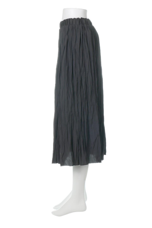 CrushPleatedLongSkirtクラッシュプリーツ・ロングスカート大人カジュアルに最適な海外ファッションのothers(その他インポートアイテム)のボトムやスカート。ヴィンテージライクなマットサテンの生地がポイントのナチュラルなプリーツスカート。生地の落ち感を利用し、生地をたっぷり使ったスカートのシルエットとボリュームを綺麗に見せるデザイン。/main-12