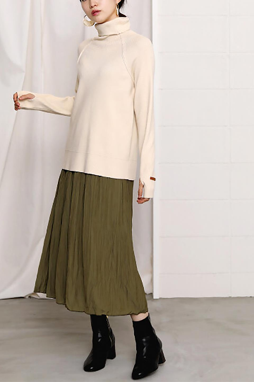 CrushPleatedLongSkirtクラッシュプリーツ・ロングスカート大人カジュアルに最適な海外ファッションのothers(その他インポートアイテム)のボトムやスカート。ヴィンテージライクなマットサテンの生地がポイントのナチュラルなプリーツスカート。生地の落ち感を利用し、生地をたっぷり使ったスカートのシルエットとボリュームを綺麗に見せるデザイン。/main-26