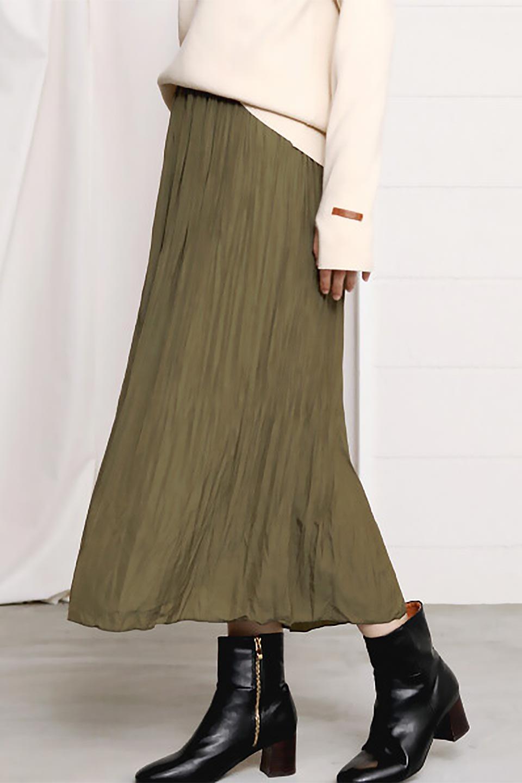 CrushPleatedLongSkirtクラッシュプリーツ・ロングスカート大人カジュアルに最適な海外ファッションのothers(その他インポートアイテム)のボトムやスカート。ヴィンテージライクなマットサテンの生地がポイントのナチュラルなプリーツスカート。生地の落ち感を利用し、生地をたっぷり使ったスカートのシルエットとボリュームを綺麗に見せるデザイン。/main-27