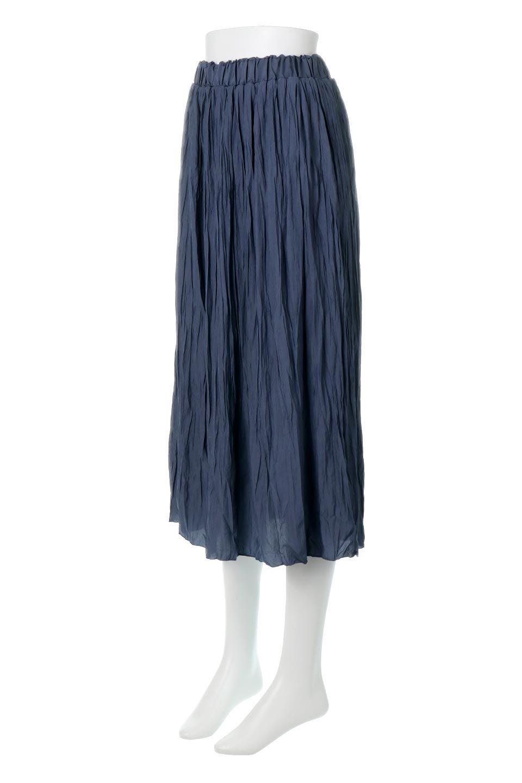CrushPleatedLongSkirtクラッシュプリーツ・ロングスカート大人カジュアルに最適な海外ファッションのothers(その他インポートアイテム)のボトムやスカート。ヴィンテージライクなマットサテンの生地がポイントのナチュラルなプリーツスカート。生地の落ち感を利用し、生地をたっぷり使ったスカートのシルエットとボリュームを綺麗に見せるデザイン。/main-6