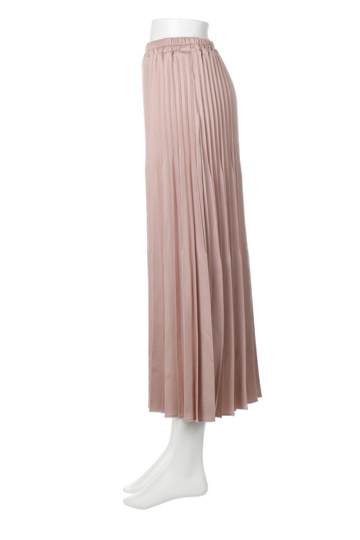 MatSatinRandomPleatedSkirtランダムプリーツ・ロングスカート大人カジュアルに最適な海外ファッションのothers(その他インポートアイテム)のボトムやスカート。光沢を抑えたマットな質感のサテン生地を使用したプリーツスカート。肌離れが良いサラッとした素材とウエストゴムでストレスフリーな穿き心地もおすすめポイント。/main-2