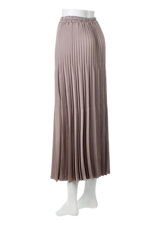 MatSatinRandomPleatedSkirtランダムプリーツ・ロングスカート大人カジュアルに最適な海外ファッションのothers(その他インポートアイテム)のボトムやスカート。光沢を抑えたマットな質感のサテン生地を使用したプリーツスカート。肌離れが良いサラッとした素材とウエストゴムでストレスフリーな穿き心地もおすすめポイント。/main-8