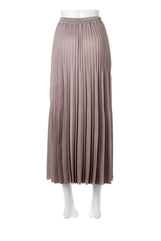 MatSatinRandomPleatedSkirtランダムプリーツ・ロングスカート大人カジュアルに最適な海外ファッションのothers(その他インポートアイテム)のボトムやスカート。光沢を抑えたマットな質感のサテン生地を使用したプリーツスカート。肌離れが良いサラッとした素材とウエストゴムでストレスフリーな穿き心地もおすすめポイント。/main-9