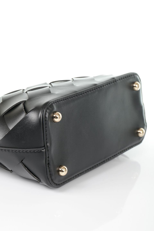 meliebiancoのEllen(Black)2Way・編み込みハンドバッグ/海外ファッション好きにオススメのインポートバッグとかばん、MelieBianco(メリービアンコ)のバッグやハンドバッグ。可愛い大きさの編み込みハンドバッグ。しっとりとしたプレミアム・ビーガンレザーをメッシュ状に編み込んだ2Wayタイプ。/main-13