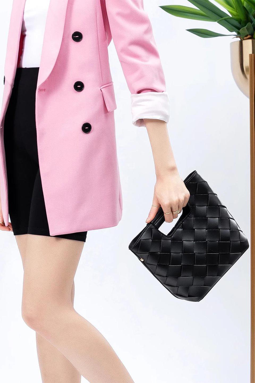 meliebiancoのEllen(Black)2Way・編み込みハンドバッグ/海外ファッション好きにオススメのインポートバッグとかばん、MelieBianco(メリービアンコ)のバッグやハンドバッグ。可愛い大きさの編み込みハンドバッグ。しっとりとしたプレミアム・ビーガンレザーをメッシュ状に編み込んだ2Wayタイプ。/main-16