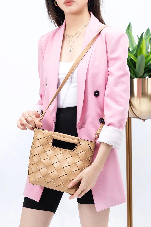 meliebiancoのEllen(Nude)2Way・編み込みハンドバッグ/海外ファッション好きにオススメのインポートバッグとかばん、MelieBianco(メリービアンコ)のバッグやハンドバッグ。可愛い大きさの編み込みハンドバッグ。しっとりとしたプレミアム・ビーガンレザーをメッシュ状に編み込んだ2Wayタイプ。/main-14