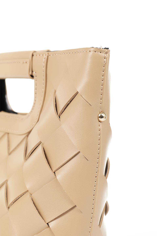 meliebiancoのEllen(Nude)2Way・編み込みハンドバッグ/海外ファッション好きにオススメのインポートバッグとかばん、MelieBianco(メリービアンコ)のバッグやハンドバッグ。可愛い大きさの編み込みハンドバッグ。しっとりとしたプレミアム・ビーガンレザーをメッシュ状に編み込んだ2Wayタイプ。/main-6