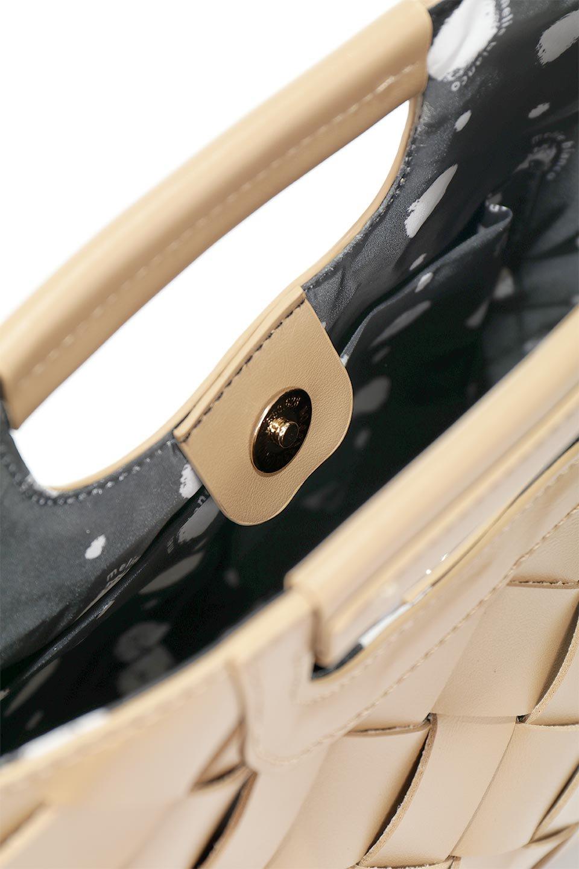 meliebiancoのEllen(Nude)2Way・編み込みハンドバッグ/海外ファッション好きにオススメのインポートバッグとかばん、MelieBianco(メリービアンコ)のバッグやハンドバッグ。可愛い大きさの編み込みハンドバッグ。しっとりとしたプレミアム・ビーガンレザーをメッシュ状に編み込んだ2Wayタイプ。/main-7