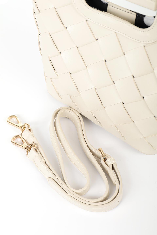 meliebiancoのEllen(Bone)2Way・編み込みハンドバッグ/海外ファッション好きにオススメのインポートバッグとかばん、MelieBianco(メリービアンコ)のバッグやハンドバッグ。可愛い大きさの編み込みハンドバッグ。しっとりとしたプレミアム・ビーガンレザーをメッシュ状に編み込んだ2Wayタイプ。/main-12