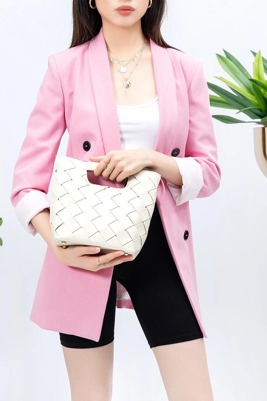 meliebiancoのEllen(Bone)2Way・編み込みハンドバッグ/海外ファッション好きにオススメのインポートバッグとかばん、MelieBianco(メリービアンコ)のバッグやハンドバッグ。可愛い大きさの編み込みハンドバッグ。しっとりとしたプレミアム・ビーガンレザーをメッシュ状に編み込んだ2Wayタイプ。/main-15