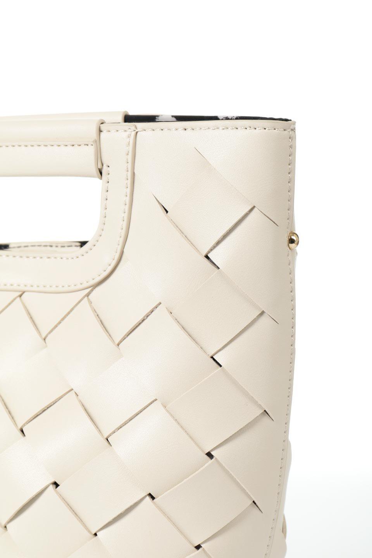 meliebiancoのEllen(Bone)2Way・編み込みハンドバッグ/海外ファッション好きにオススメのインポートバッグとかばん、MelieBianco(メリービアンコ)のバッグやハンドバッグ。可愛い大きさの編み込みハンドバッグ。しっとりとしたプレミアム・ビーガンレザーをメッシュ状に編み込んだ2Wayタイプ。/main-5